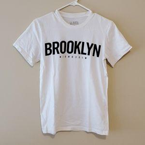 Aritzia Brooklyn white t shirt size xs